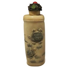 Vintage Hand Carved Chinese Water Buffalo Ox Horn And Bone Sea Turtles Scrimshaw Snuff Medicine Bottle