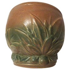 Nelson McCoy Pottery 1926 Stoneware Green Leaves and Berry JARDINIERE