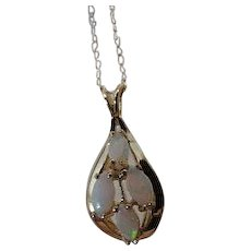 """Vintage 14k gold and opal Pendant Necklace 16 """" chain"""