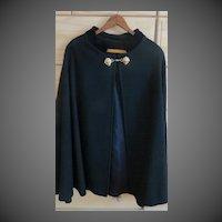Vintage womens black wool winter cape w/ lion clasps
