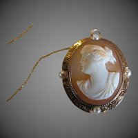 Antique Cameo and Pearl Necklace 10k Gold