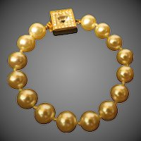 Vintage S.A.L. Swarovski Gold Toned Faux Pearl elegant Bracelet