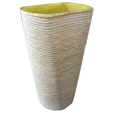 Shawnee Pottery Company Vase  **ROPE** Pattern