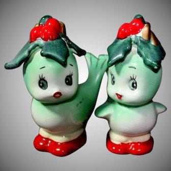 Adorable Christmas Salt and Pepper Shakers