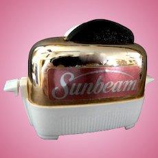 Vintage Novelty Sunbeam Toaster Salt & Pepper Shakers