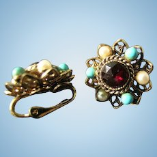 Pretty Ruby Colored Rhinestone Clip On Earrings