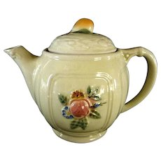 Lovely Porcelier 4 Cup Teapot