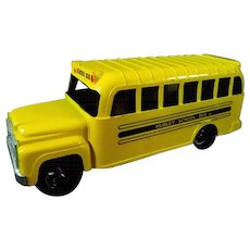 Hubley Mighty Die Cast Metal School Bus #1821