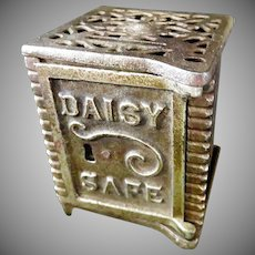 Daisy Key Lock Safe Still Bank