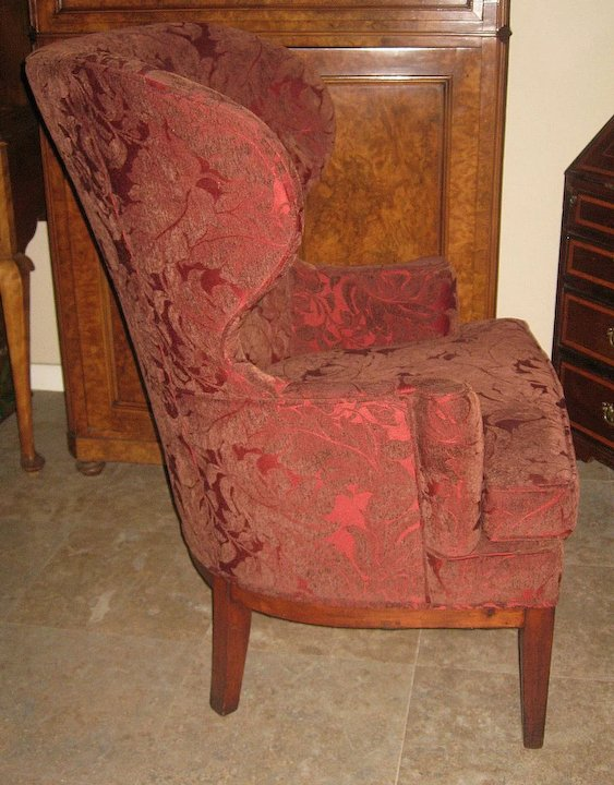 Pair of Exquisite Antique Dark-Red Wingback Chairs - Pair Of Exquisite Antique Dark-Red Wingback Chairs : Dynasty