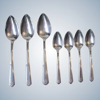 1930 Oneida Heirloom Chevron Art Deco Silverplate Flatware 3 Serving Spoons 4 Teaspoons