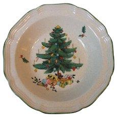 Vintage Mikasa Festive Season 9 Inch Round Vegetable Serving Bowl EB451 Christmas Pattern