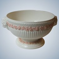 Wedgwood England Pink Grape on Cream Queens Ware Footed Fruit Bowl Rams Head