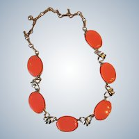 Coro Thermoset Coral Lucite Gold Tone Bow Collar Choker Necklace