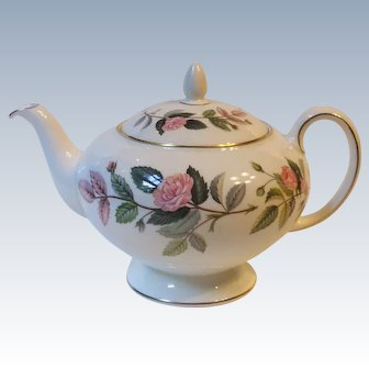 Wedgwood England Hathaway Rose Bone China Teapot Four Cup