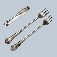 Rogers 1901 1896 Mayflower Silverplate Sugar Tongs Cocktail Forks