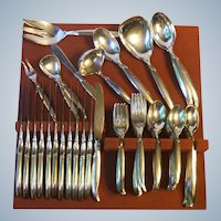 Rogers Bros 1956 Flair Silverplate 84 Piece Set Service for 12 Plus
