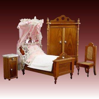 Antique German Bedroom Furnishings by Schneegas
