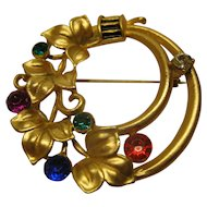 Vintage Jeweled Gold Tone Circle Leaf Pin Broach