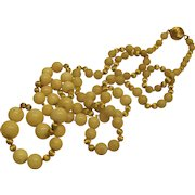 """Vintage 14 K Yellow Gold Cream Agate Bead Necklace 32"""" Long"""