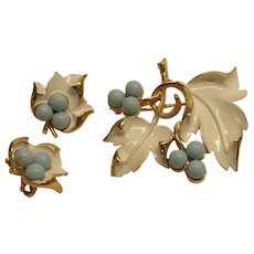 Vintage Sarah Coventry White Enamel Faux Turquoise Leaf Pin Broach Clip Earrings Set BOOK PIECE