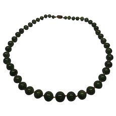 Vintage  Green Adventurine Hand Knotted Graduated Bead Necklace Silver Clasp