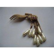 Vintage Signed Kramer Gold Tone Metal & Faux Pearl Pin Broach