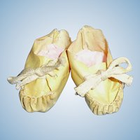 Antique White Oilcloth Baby Doll Tie Booties Shoes