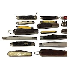 20 Vintage old pocket knives Camuliuss-Barlow-Robison-Kutmaster-sears-boker-imperial all neat old knives in used shape.