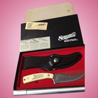 Vintage Schrade  Scrimshaw white handle Puma in orig box model SC502