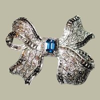 Art Deco Bow Brooch with Sapphire-Colored Center Stone
