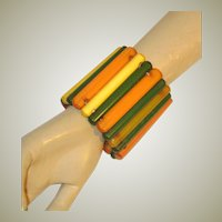 Superb and Impressive Art Deco Rod-Shaped Bakelite Stretch Cuff Bracelet