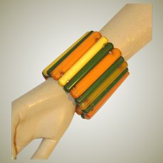 Superb and Impressive Art Deco Rod-Shaped Bakelite Stretch Cuff Bracelet