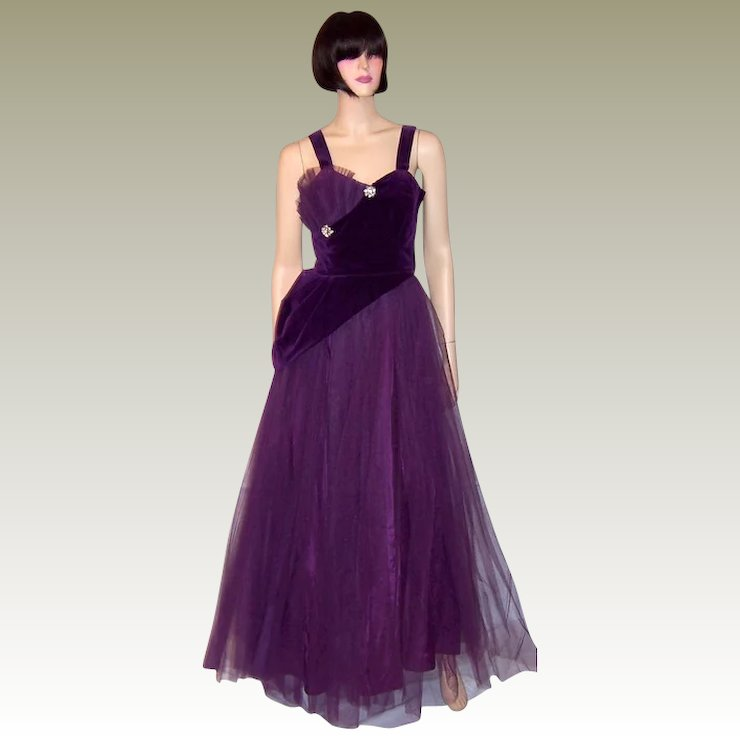 1950s Violet Tulle And Velvet Ball Gown