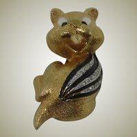 JOMAZ Diminutive Beaver Brooch