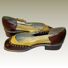 """""""Cemi Shoes"""", Made in Italy, Two-Toned Spectator Heeled Pumps with Opened Sides with Buckles"""