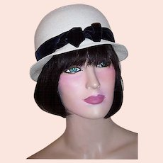 1960's White Straw Cloche Style Child's Hat with Best & Co. label