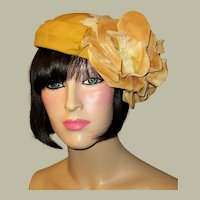 1940's Gold Velvet Hat/Chapeau with Gold Velvet Blossoms