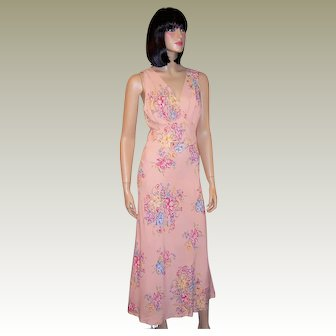 1930's Pink Negligee with Daffodil Floral Sprays
