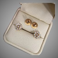 Sparkly 0.54 ctw Diamond 15K Gold Flower Studs Earrings 5.1 grams