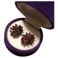Vintage Cluster Garnet Bouquet Gold on Sterling Silver Studs Earrings 19 mm 5.4 grams