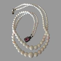 """Antique Queen Conch Shell Angel Skin Coral Color Beads Double Strand Necklace 21"""" Long 85 grams"""