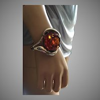 MODERNIST Large Baltic Amber with Inclusions Hinged Bangle Bracelet Sterling Silver Size S-M