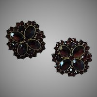 Vintage 10K Gold Bohemian Garnet Clip Earrings 22 mm Germany