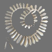 """Antique Victorian Pickets n Berries Mother of Pearl Necklace 35 mm Center Piece 17"""" Long Wedding Bridal Set"""