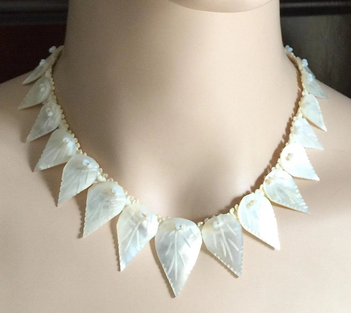 Antique Carved Graduated Mother Of Pearl Leaves Necklace