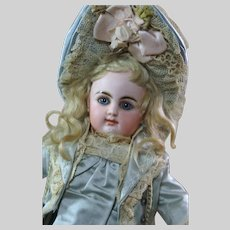 "Stunner Tiny Rabery & Delphieu Bébé  10"""