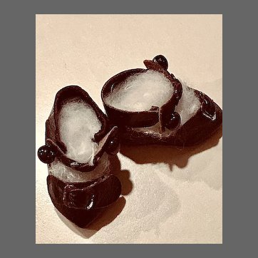 Tiniest Antique Bébé Shoes
