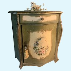 Charming Commode for Poupée or Bébé