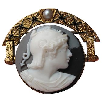 Hard Stone Cameo of Achilles 14k Gold Black/White Agate Enamel Gray Pearl